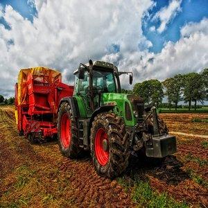 """18 са подадените заявления в първия ден от приема за подпомагане по подмярка 4.1 """"Инвестиции в земеделски стопанства"""""""